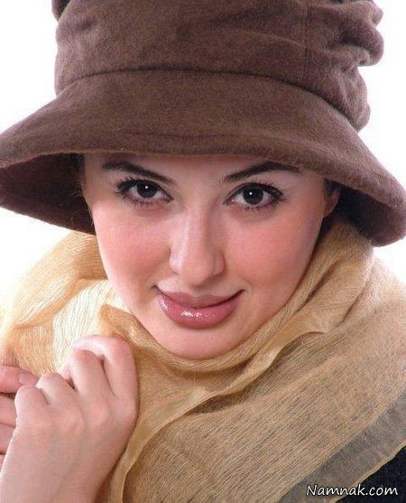 عکس نیوشا ضیغمی با کلاهش
