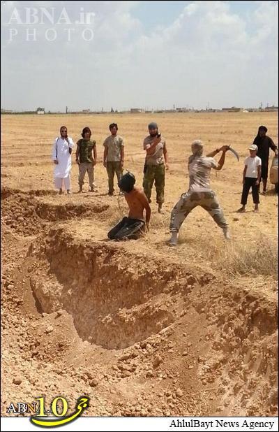 داعش با شمشیر گردن میزند + تصاویر