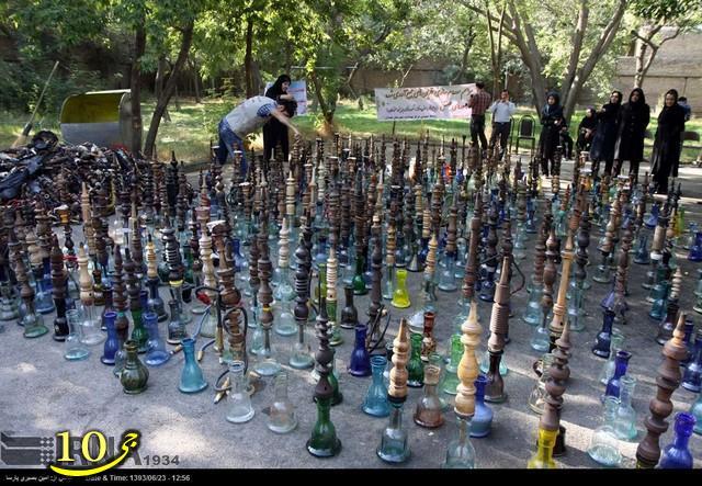 عکس/ امحای دو هزار قلیان در همدان