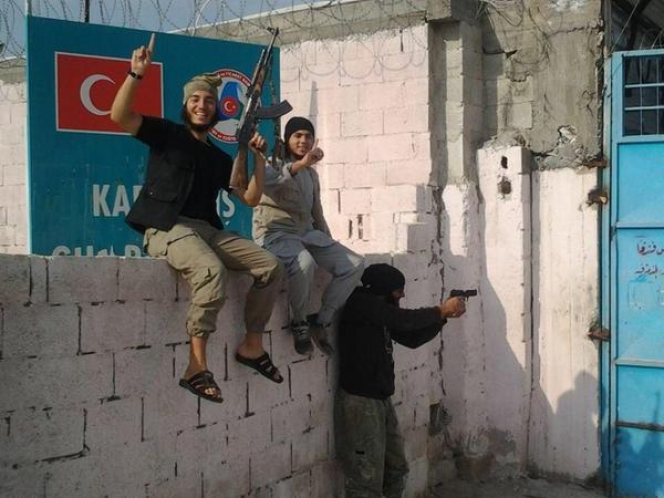 مرز ترکیه در اختیار داعش (عکس)
