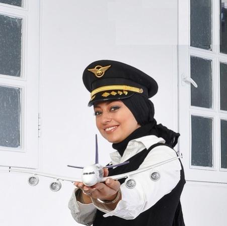 عکس/ هنرپیشه سرشناس زن در لباس خلبانی