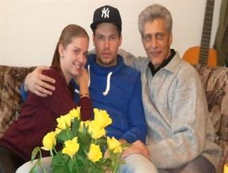 عکس دانیال داوری دروازبان تیم ملی بهمراه نامزد آلمانی و پدرش
