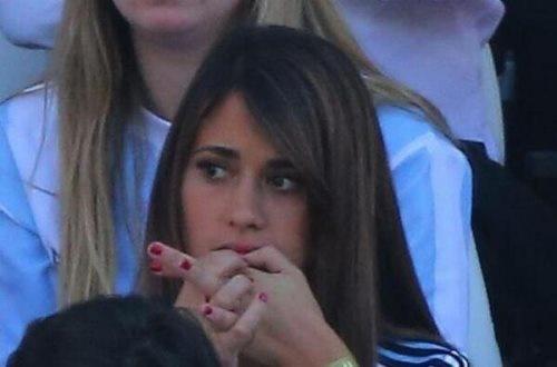 اضطراب شدید همسر مسی در جریان بازی ایران و آرژانتین
