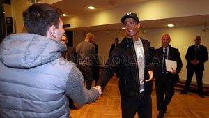 http://rozup.ir/up/justbarca/Pictures/Gala/11111111.jpg