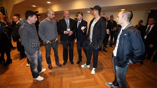 http://rozup.ir/up/justbarca/Pictures/Gala/4.jpg