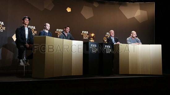 http://rozup.ir/up/justbarca/Pictures/Gala/5.jpg