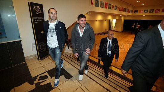 http://rozup.ir/up/justbarca/Pictures/Gala/6.jpg