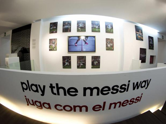 http://rozup.ir/up/justbarca/Pictures/Messi_Museum/Messi_Museum_(7).jpg