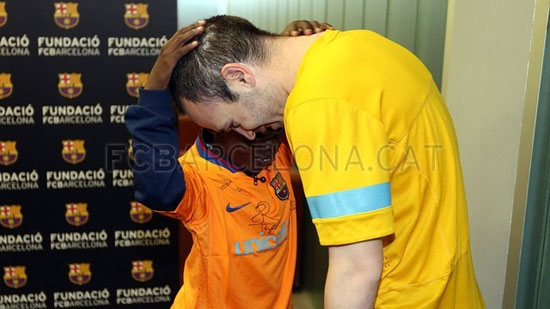 http://rozup.ir/up/justbarca/Pictures/blind_child/10.jpg