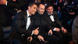 http://rozup.ir/up/justbarca/Pictures/gala3/111111.jpg