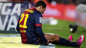 http://rozup.ir/up/justbarca/news_6/Adriano_Injury.jpg