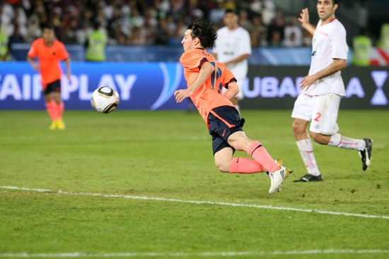 http://rozup.ir/up/justbarca/news_6/Messi_13_key_moment_4.jpg