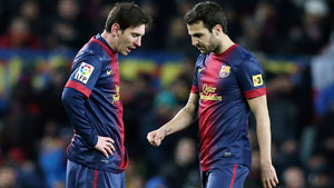 http://rozup.ir/up/justbarca/news_6/Messi___Fabregas_Elclasico.jpg