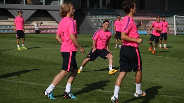 چهره جدید مسی در تمرینات بارسلونا / عکس