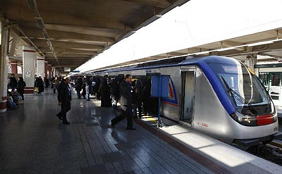 پای آزادی های یواشکی به مترو هم باز شد / تصاویر