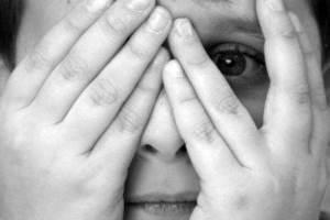 رابطه دردناک و نامشروع 3 پسر با یک دختر جوان