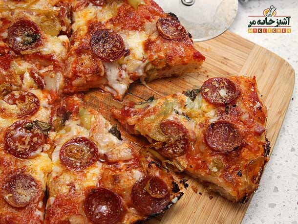 http://rozup.ir/up/khabarcom/Mykitchen/Pictures/food/20130121-pan-pizza-lab-recipe-01.jpg