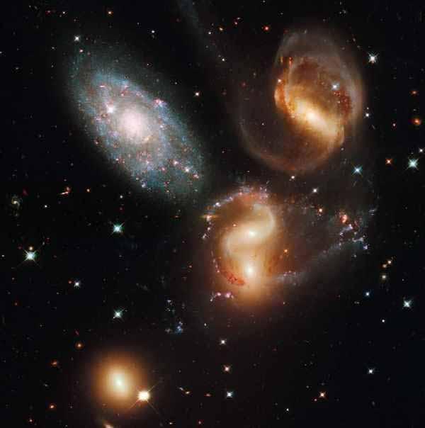 عکسهایی شگفت انگیز و زیبا از منظومه شمسی