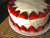طرز تهیه کیک خامه ای با توت فرنگی
