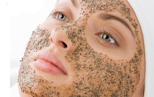 زیبایی پوست با اسکراب خانگی + فواید آن