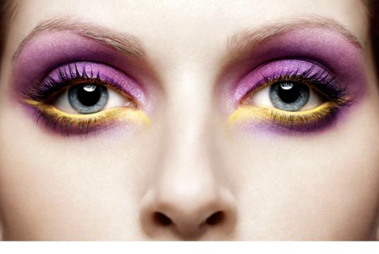 چگونه از سایه چشم آبرنگی استفاده کنیم؟