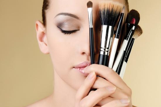 ترفندهای سایه و ریمل زدن چشم، حرفه ای تر آرایش کنید