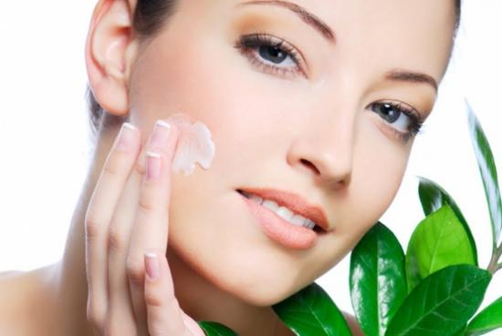 غذاهای سالم برای داشتن پوستی صاف و زیبا