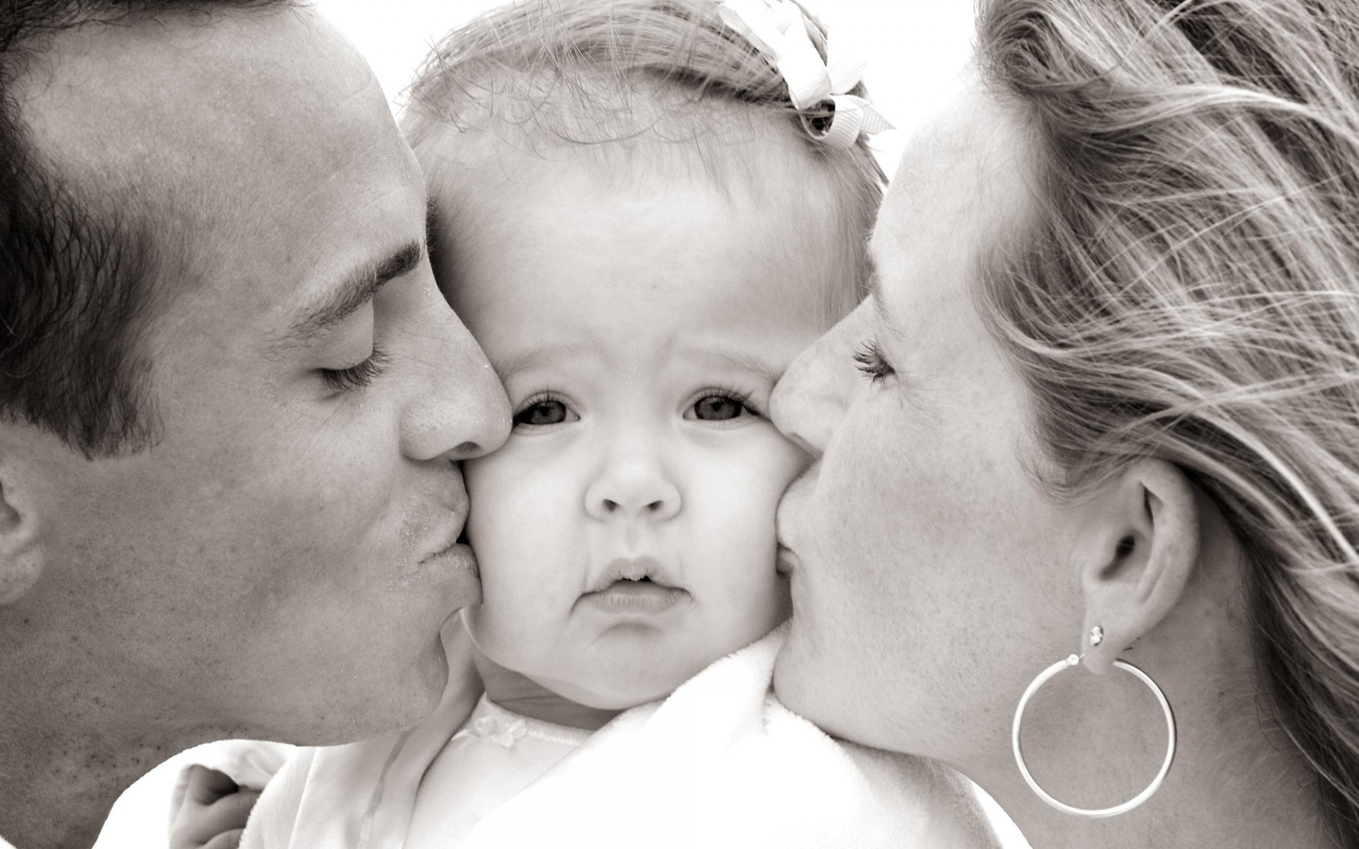 بوسه ناز کودک