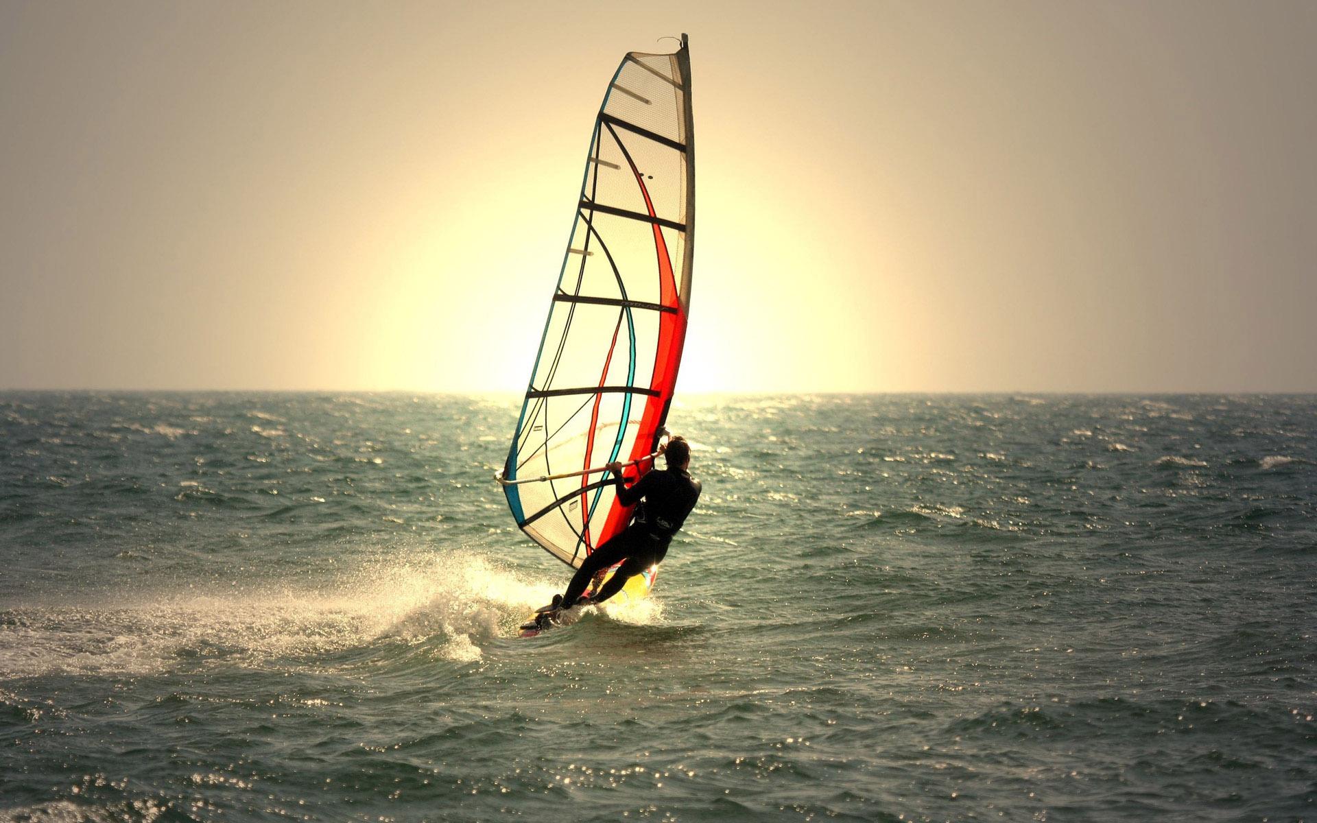 مسابقات قایق بادبانی
