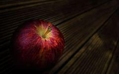 low-red-apple-24346.jpg (240×150)