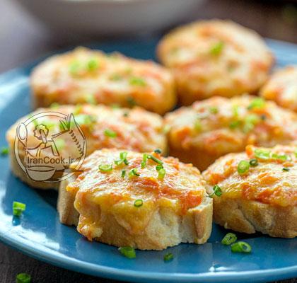 آموزش درست کردن بروشِتای هویج و پنیر