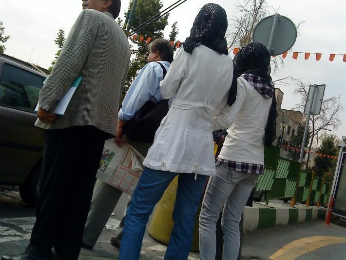 رکورد کوتاه ترین مانتو توسط یک دختر تهرانی - needsdownload.rozblog.com