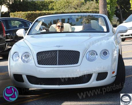 http://rozup.ir/up/news-pictures/7pic/J-LO-car1.jpg