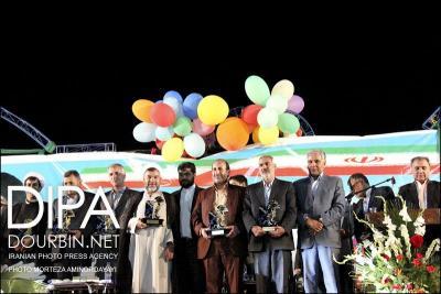 گزارش تصویری از : مراسم افتتاحیه المپیاد ورزشی محلات نیشابور با حضور وزیر ورزش و جوانان