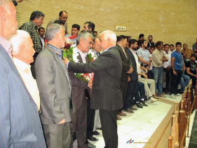 استقبال مردم و مسوولین از پهلوان فضل الله دهنوی، قهرمان کشتی پیشکسوتان جهان