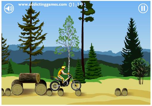 موتور سواری با مانع در جنگل