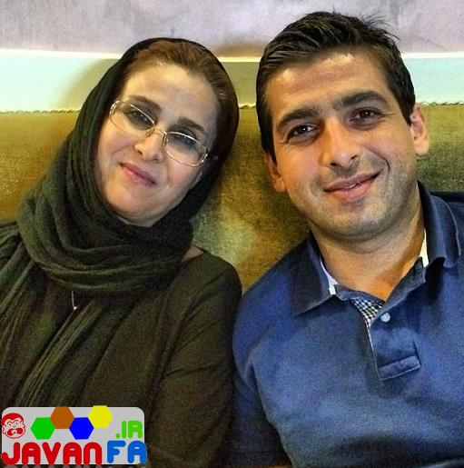 http://rozup.ir/up/omidsmart/Pictures/3/hamid-goodarzi-with-mother.jpg