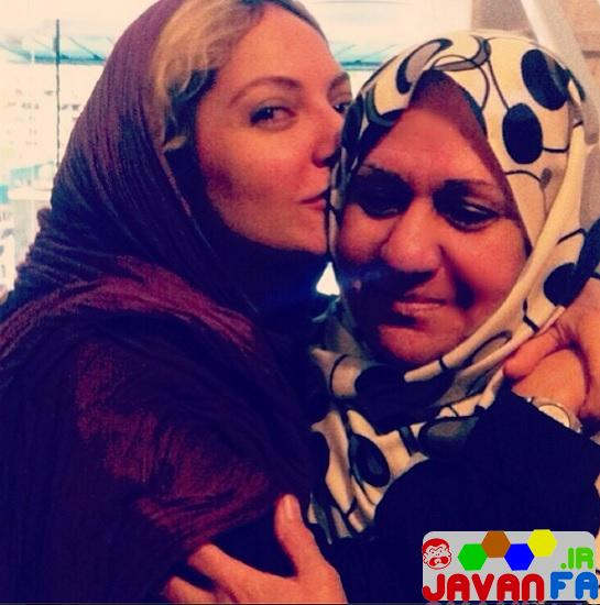 http://rozup.ir/up/omidsmart/Pictures/3/mahnaz-afshar-mother.jpg