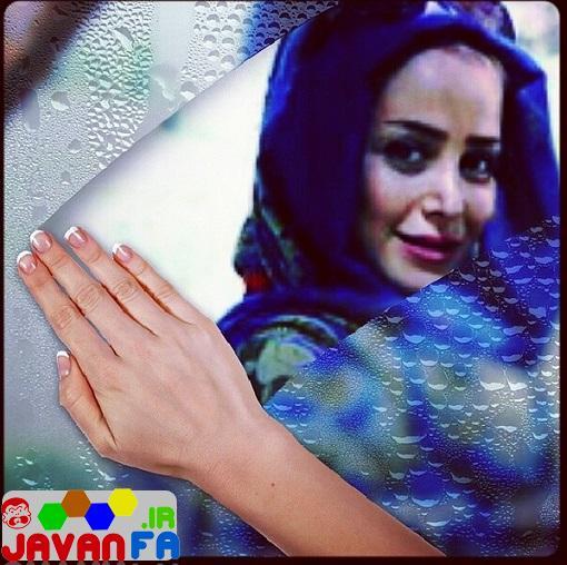 http://rozup.ir/up/omidsmart/Pictures/4/elnaz-habibi-april93/elnaz-habibi-shishe.jpg
