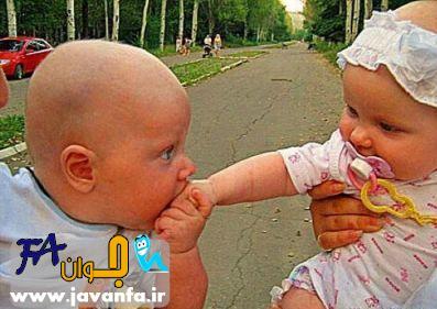 بوسیدن دست یک دختر توسط یک پسر در خیابان!!