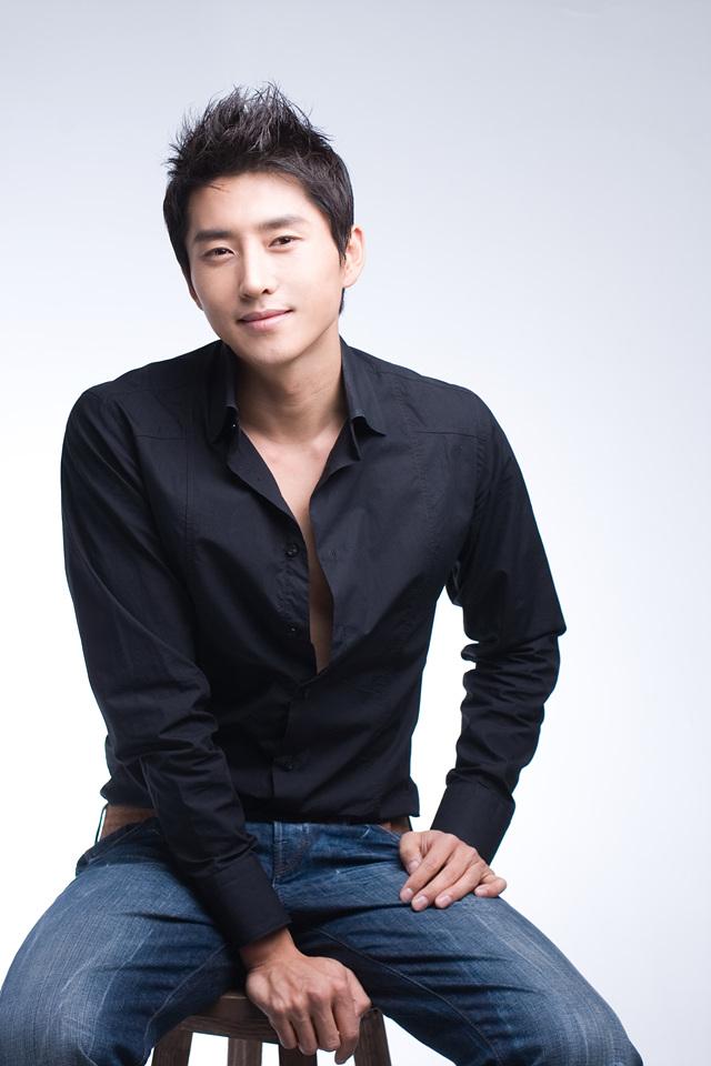 현우성 - Hyun Woo Sung - هیون وو سانگ (Profile)