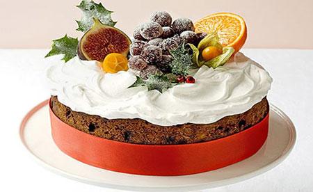 کیک میوه ای کلاسیک