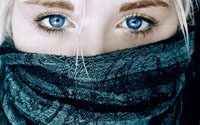 والپیپر چشم های آبی قشنگ