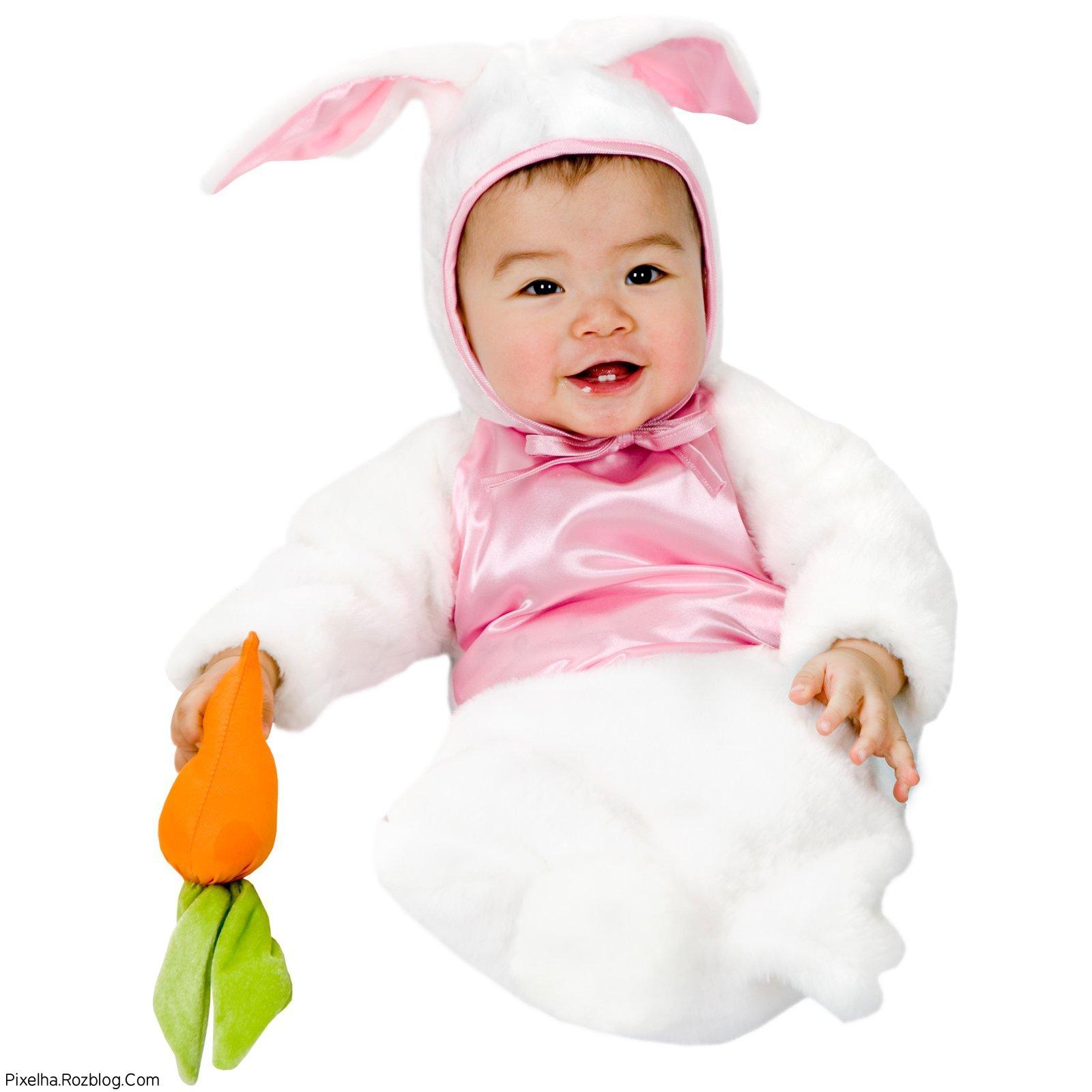 بچه بامزه با لباس خرگوشی