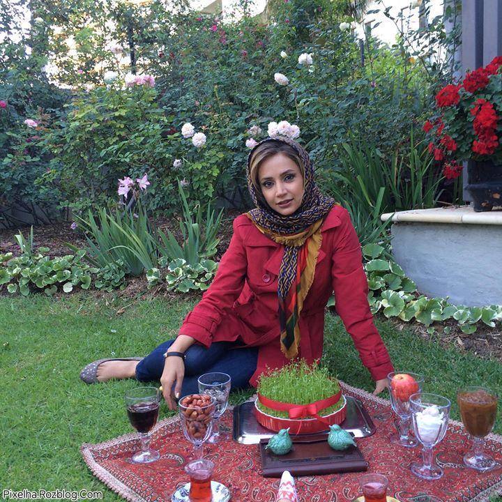 شبنم قلی خانی در کنار سفره هفت سین