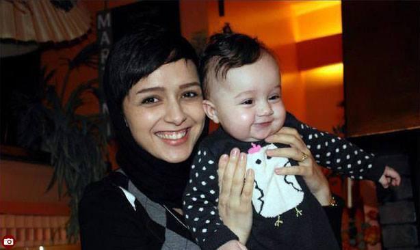 عکس های جدید ترانه علیدوستی در کنار همسر و دخترش حنا