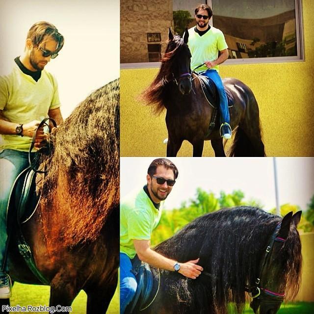 بهرام رادان در حال اسب سواری