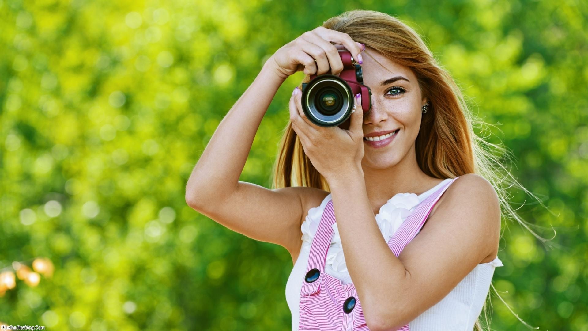 دختر عکاس