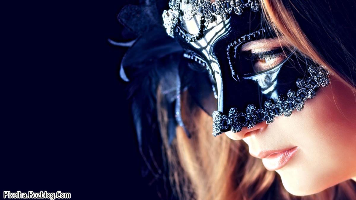 دختر با ماسک