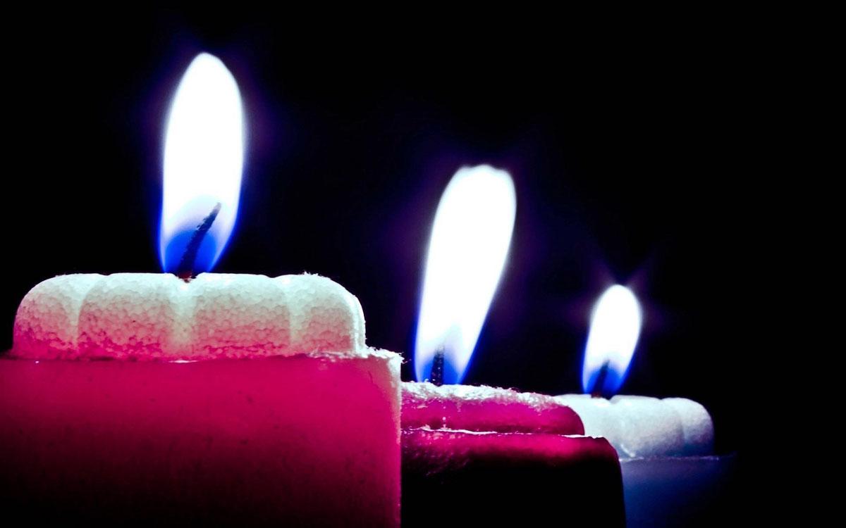 سه شمع روشن زیبا